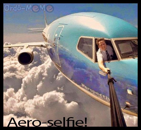 Piloto sacándose una selfie