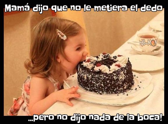 Meme niña con torta